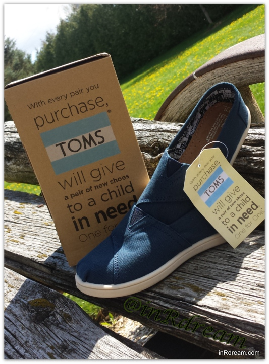 Giving Starts With A Pair of TOMS Shoes #TOMSCanada