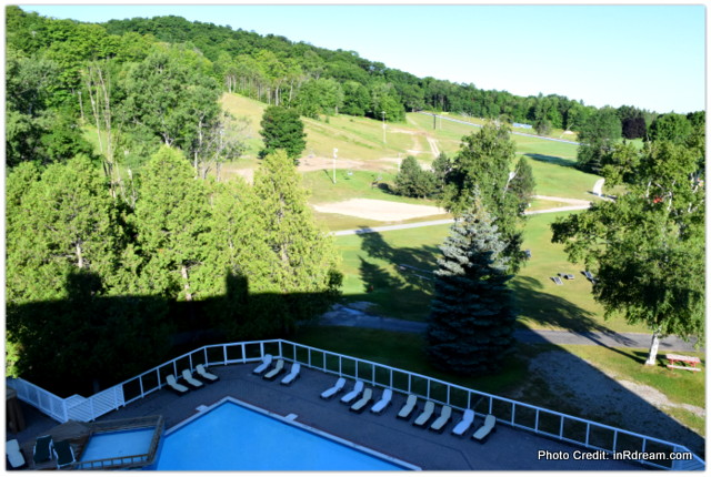 This Gem is a Hour from Toronto: Horseshoe Resort Ontario #DoTheShoe