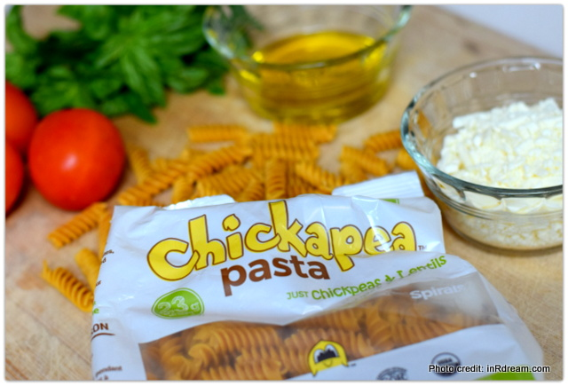 Chickapea Pasta Recipe, Chickapea Pasta, Gluten free pasta with protein, Pasta with protein, pasta made with chickpeas, Lunchbox ideas, back to school lunch ideas, pasta lunchbox recipe, healthy back to school lunches