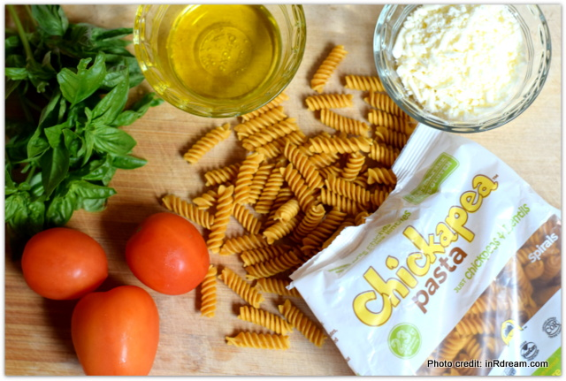 Chickapea Pasta, Gluten free pasta with protein, Pasta with protein, pasta made with chickpeas, Lunchbox ideas, back to school lunch ideas, pasta lunchbox recipe, healthy back to school lunches